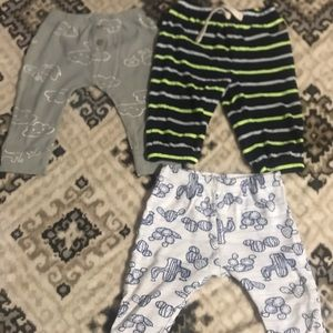 Set of 3 baby pajamas